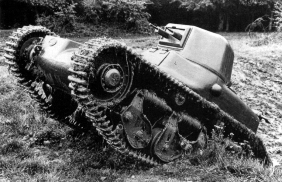 ​Even though the tank weighed 7.5 tons instead of 6, it confidently drove off-road - Renault R 35: More for Less  | Warspot.net