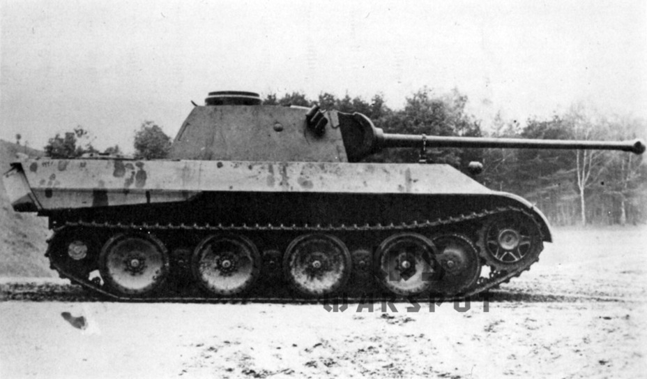 ​The second experimental prototype built in October of 1942. By then it was clear that the armour had to be increased - Panther's Ancestors | Warspot.net