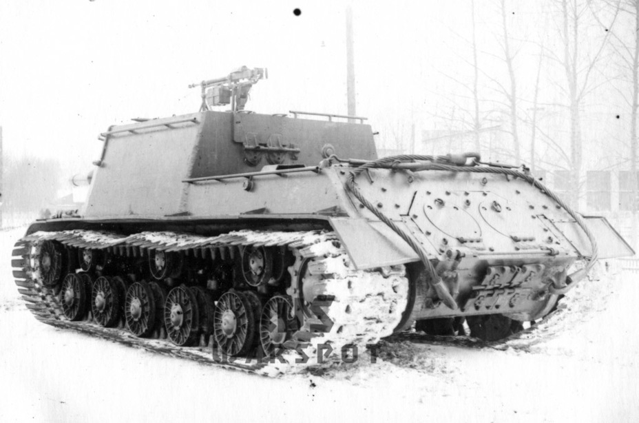 ​The experimental vehicle also had track extensions and an AA machine gun - ISU-122 Heavy Tank Destroyer | Warspot.net