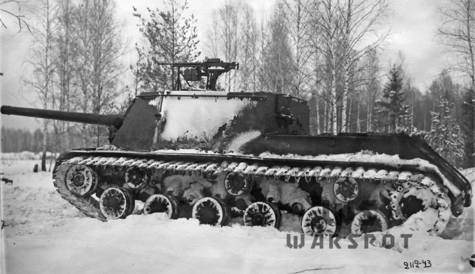 ​The same vehicle at the Gorohovets ANIOP - ISU-122 Heavy Tank Destroyer | Warspot.net