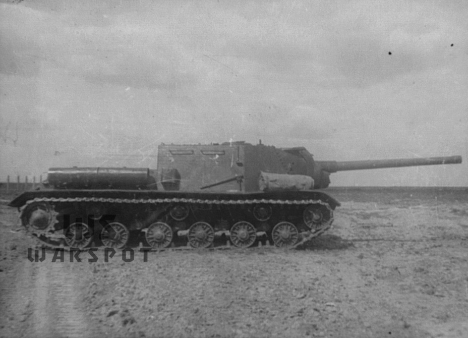 ​The chassis of the ISU-122 was identical to the chassis of the ISU-152 - ISU-122 Heavy Tank Destroyer | Warspot.net