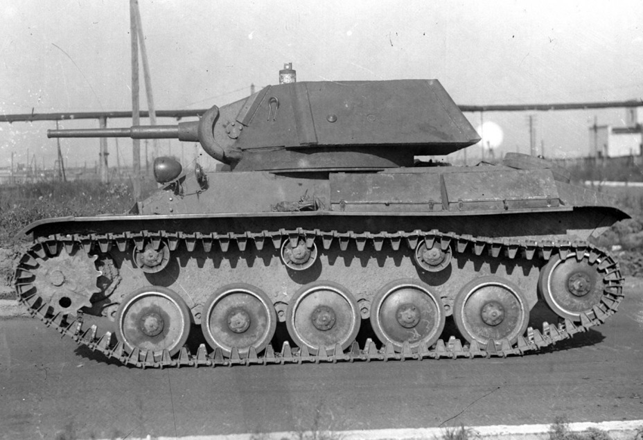 ​A T-70 with serial number 208207 converted to take a two-man turret. Late September 1942 - The First T-80 | Warspot.net