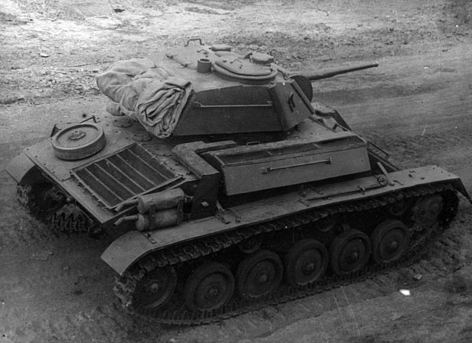 ​Like late production T-70B tanks, the T-80 had a shield around the exhaust pipes - The First T-80 | Warspot.net