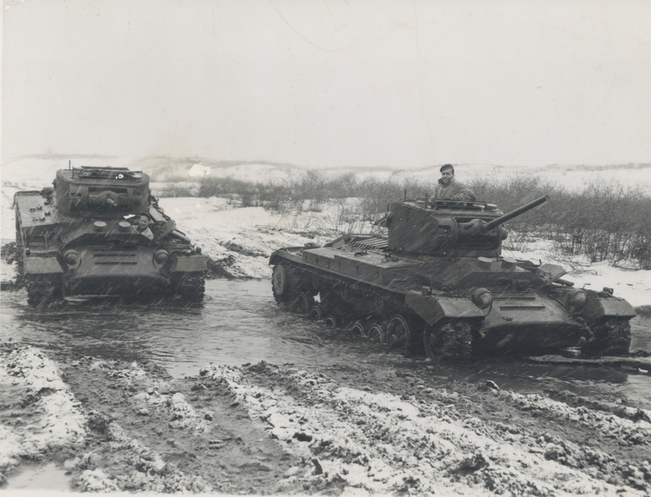 ​Canadian Valentine tanks undergoing testing in the early winter. Both Canadian and Soviet tankers tested them to make sure they were suitable for use in mud and cold - Canadian Valentines | Warspot.net