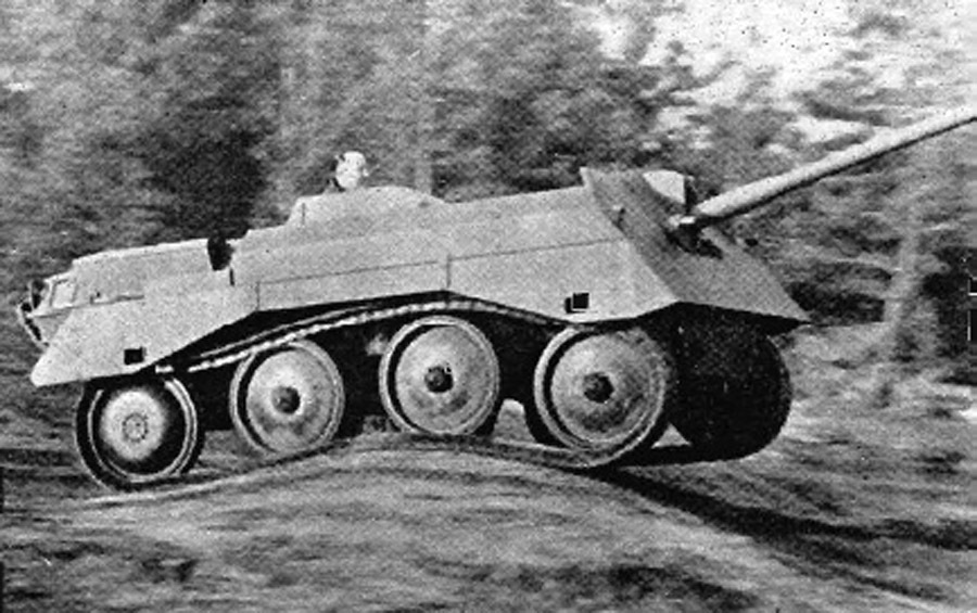 ​Alecto II on trials. By the time this vehicle was built, the 6-pounder was considered obsolete - Pocket Fury | Warspot.net