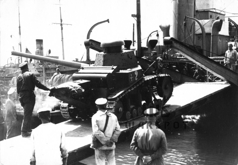 ​Loading for transport, 1930 - T-18: Mass Produced Answer to Chamberlain | Warspot.net