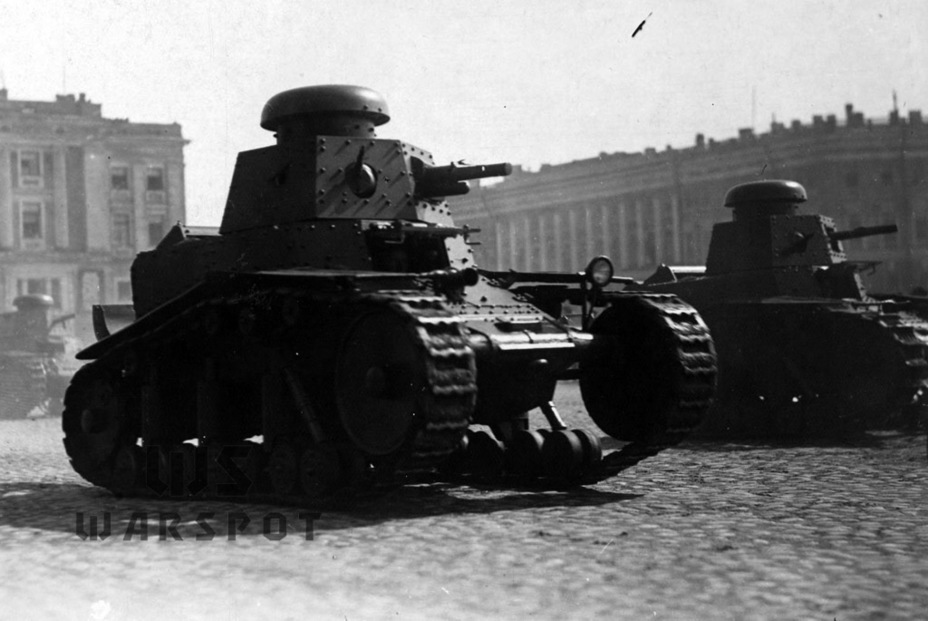 ​T-18 from the second batch on parade in Leningrad. Some of them had dummy guns - T-18: Mass Produced Answer to Chamberlain | Warspot.net