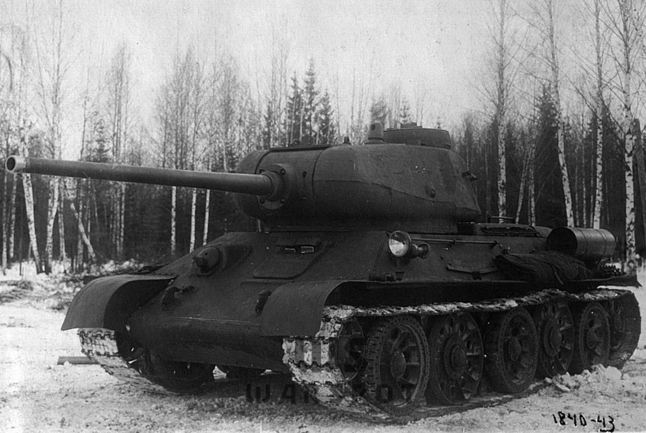 ​Trials of a T-34 tank with a turret from the T-43 and a D-5T gun at the Gorohovets ANIOP, late November 1943. Successful trials resulted in production of the T-34-85 tank - T-43: an Intermediate Step | Warspot.net