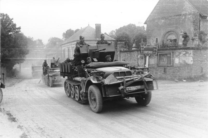 ​Sd.Kfz.10/4 halftrack in France, May 1940 - A SPAAG for the Panzerwaffe | Warspot.net