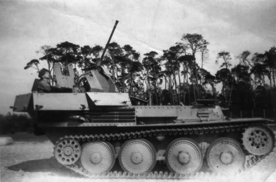 ​The top of the casemate could fold down if needed - A SPAAG for the Panzerwaffe | Warspot.net