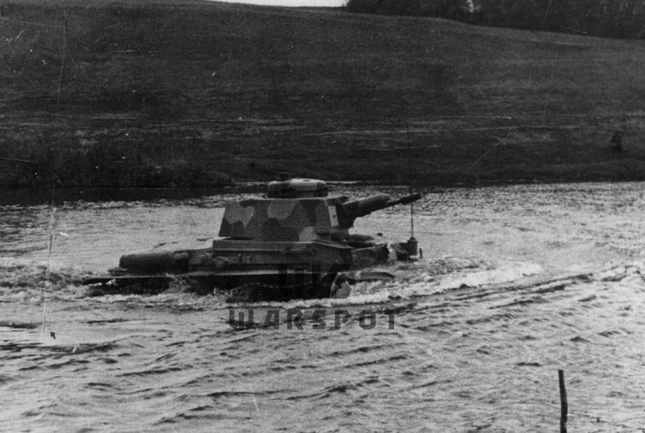​Crossing a water hazard. The Czechoslovakian and Soviet tanks performed about the same in water - Courtesy Visit | Warspot.net
