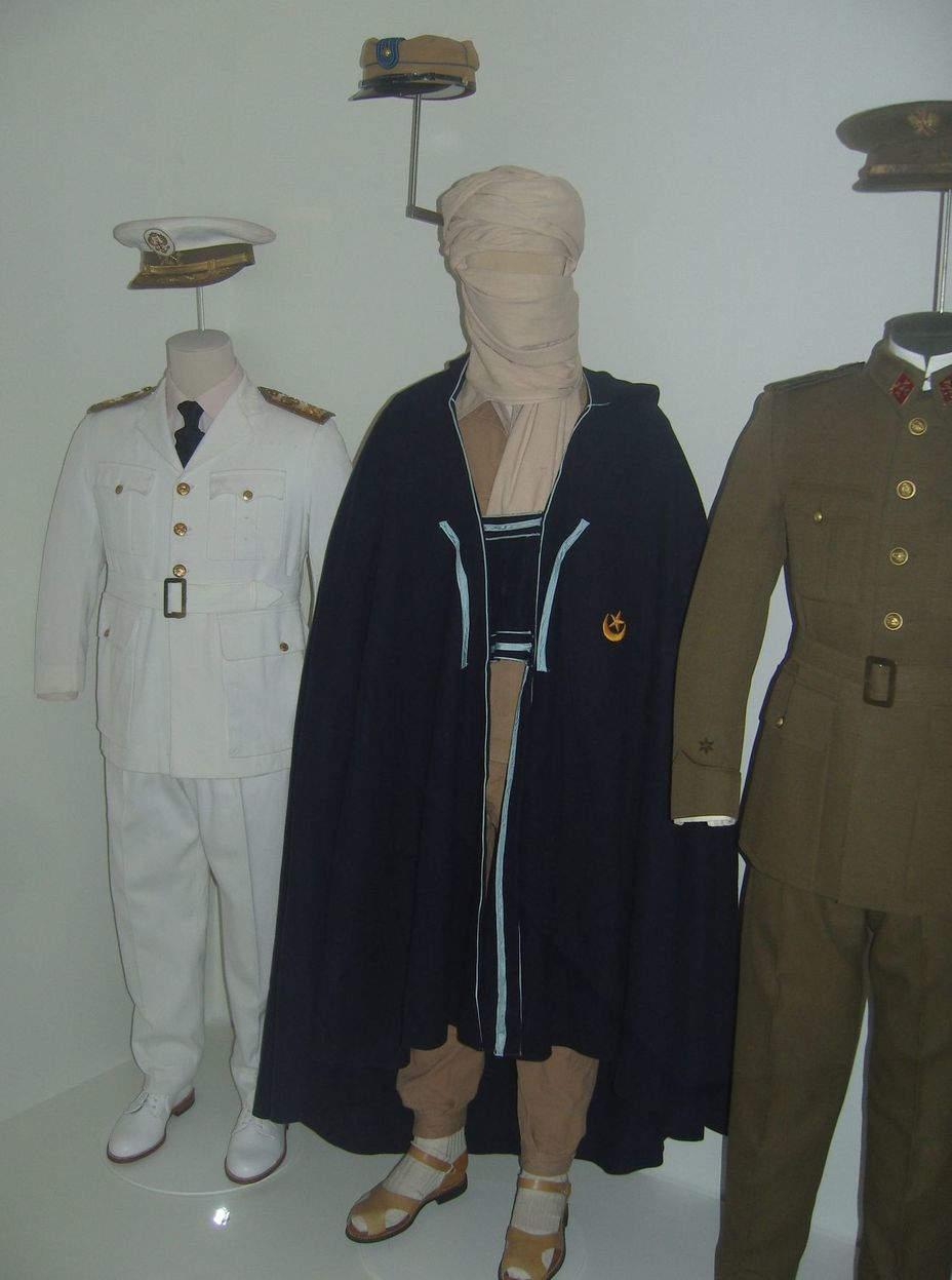 ​The uniform of the Spanish army of the mid-twentieth century. From left to right: summer holiday uniform, Sahara Detachments uniform, combined-arms officer uniform. Photo by the author - In memory of past greatness | Warspot.net