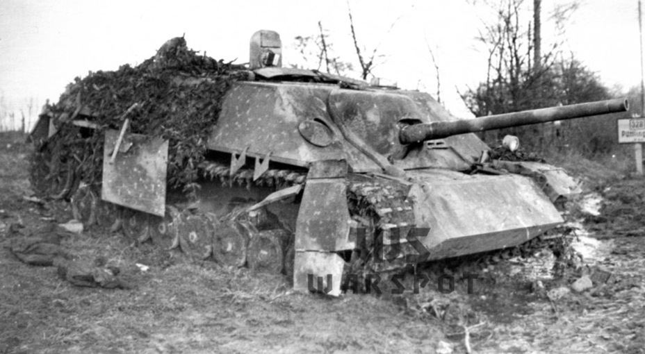 ​A destroyed Jagdpanzer IV from the 11th Tank Division. After September of 1944 Zimmerit was no longer applied - Jagdpanzer IV: The Best StuG | Warspot.net