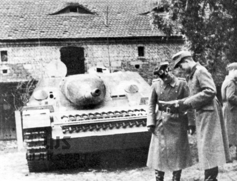 ​A vehicle from the Panzer Lehr division, January 1944 production - Jagdpanzer IV: The Best StuG | Warspot.net