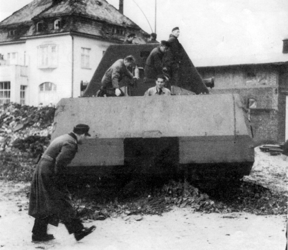 ​The ruins of Alkett served as the proving grounds for the superheavy tank - Stillborn Maus  | Warspot.net