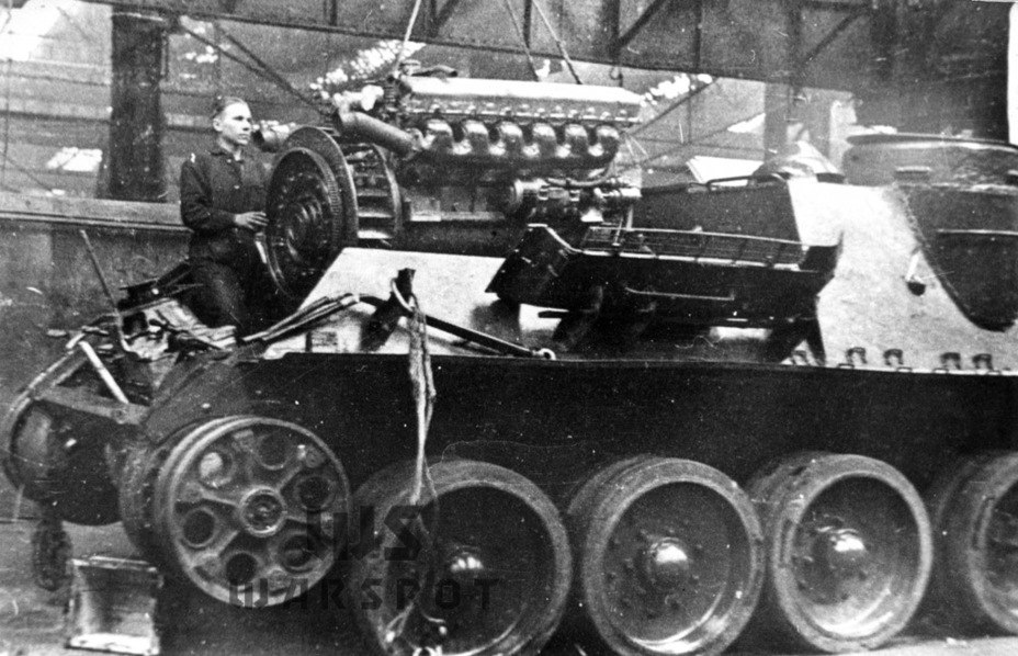 ​Assembly of the last SU-100 at the UZTM factory - SU-100: Optimal Modernization  | Warspot.net